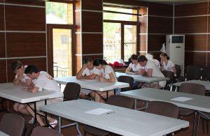 Командная работа молодых специалистов на брейнрайтинге